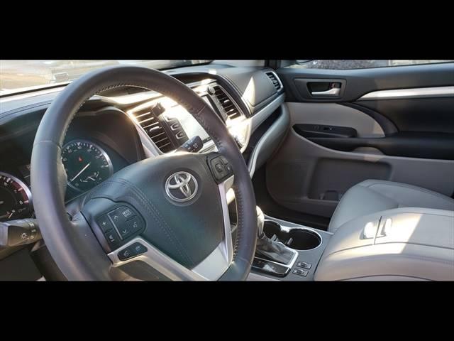 2016 Toyota Highlander