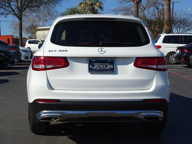 2016 Mercedes-Benz GLC