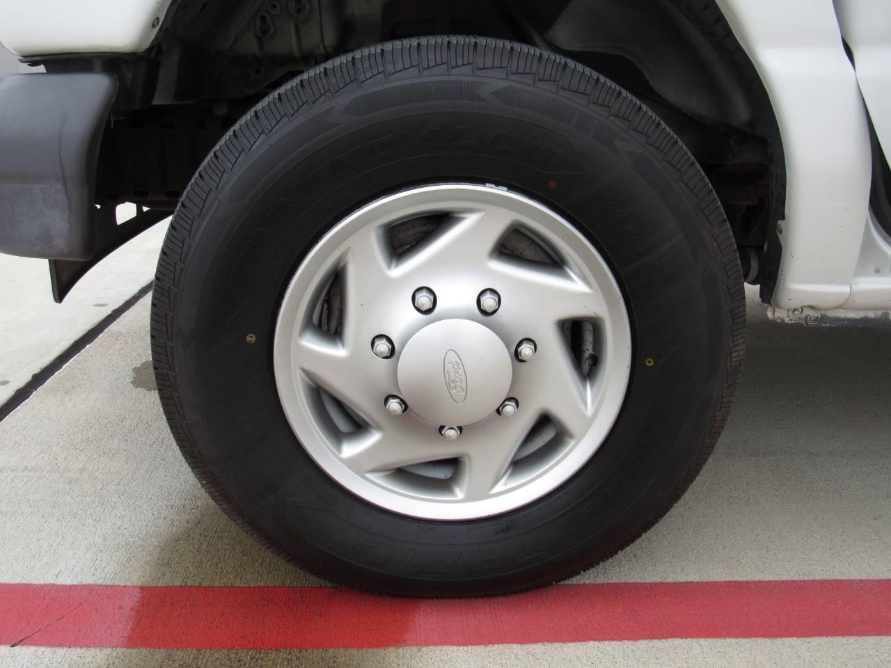 2006 Ford Econoline Van