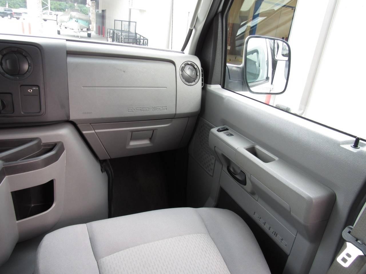 2012 Ford E-Series Wagon