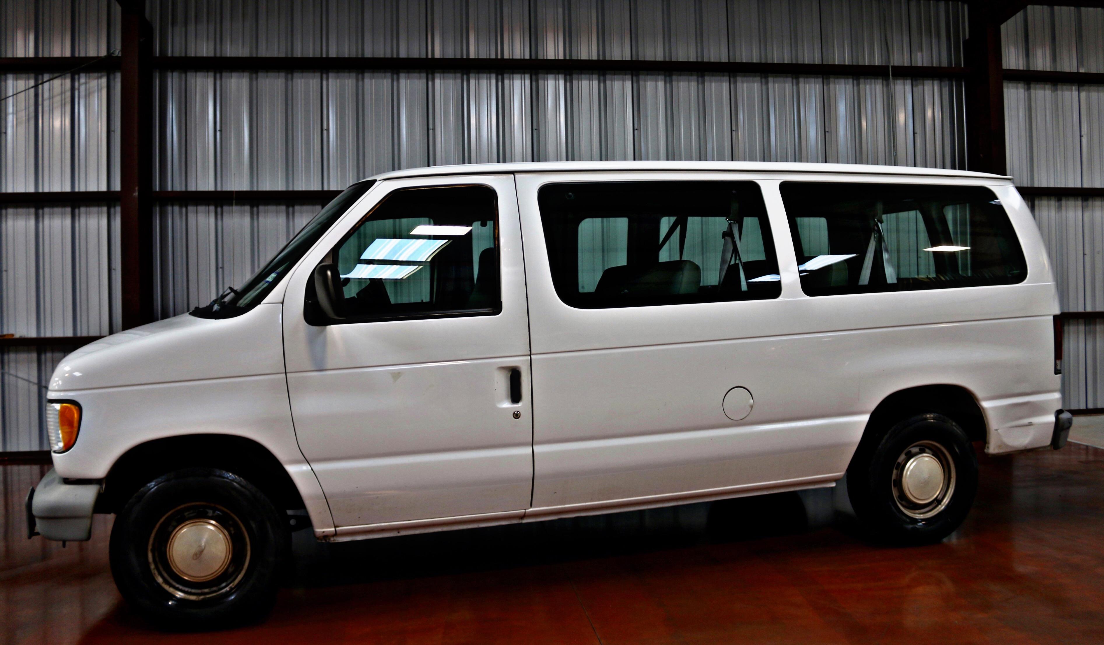 Used 2000 Ford Econoline Van