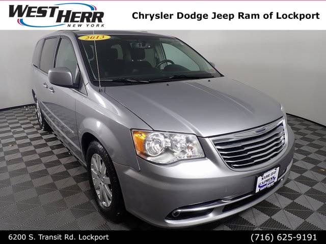 2013 Chrysler Town and Country Touring 4D Passenger Van