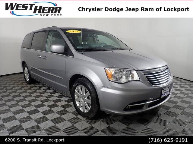 2015 Chrysler Town and Country Touring 4D Passenger Van
