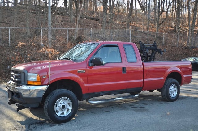2001 Ford F-250 XL Truck